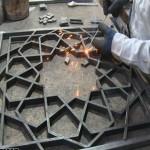 گره چینی سنتی فلزی،گره سنتی فلزی،ساخت درب و پنجره گره چینی فلزی ،ساخت پنجره و در گره سنتی فلزی،المان شهری سنتی فلزی
